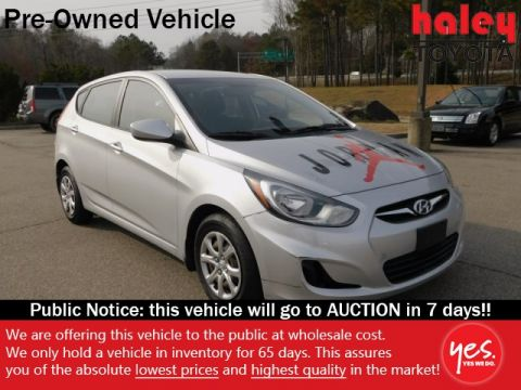 Pre-Owned 2012 Hyundai Accent GS